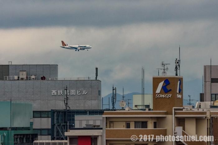 ホテルから見える飛行機