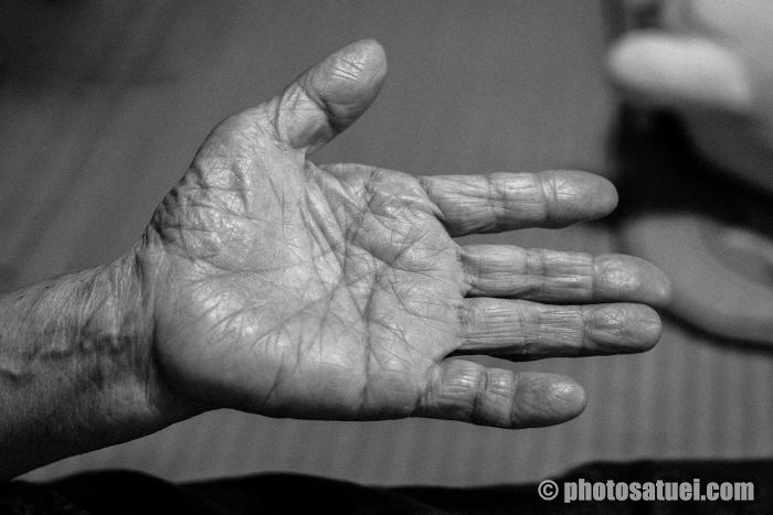 老人の手のひら